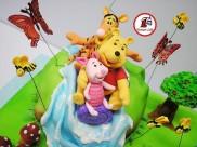 tort winnie the pooh cascada 8
